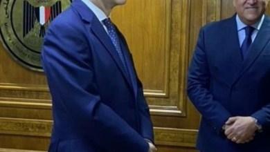 صورة سفير بريطانيا بالقاهرة يناقش مع وزير التعليم العالى الشراكات الجامعية بين البلدين