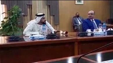صورة رئيس القسم الإعلامى بسفارة الامارات يؤكد على أهمية الذكاء الاصطناع مع رئيس جامعة المنصورة