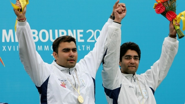 Gagan Narang and Abhinav Bindra celebrate winning the Men's 10m Air Rifle Pair's Final on Day 2 of the 2006 Commonwealth Games in Australia. (Photo courtesy - Getty Images)