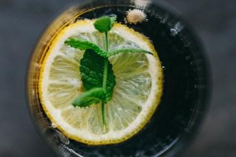 Yummy lemon in a coke