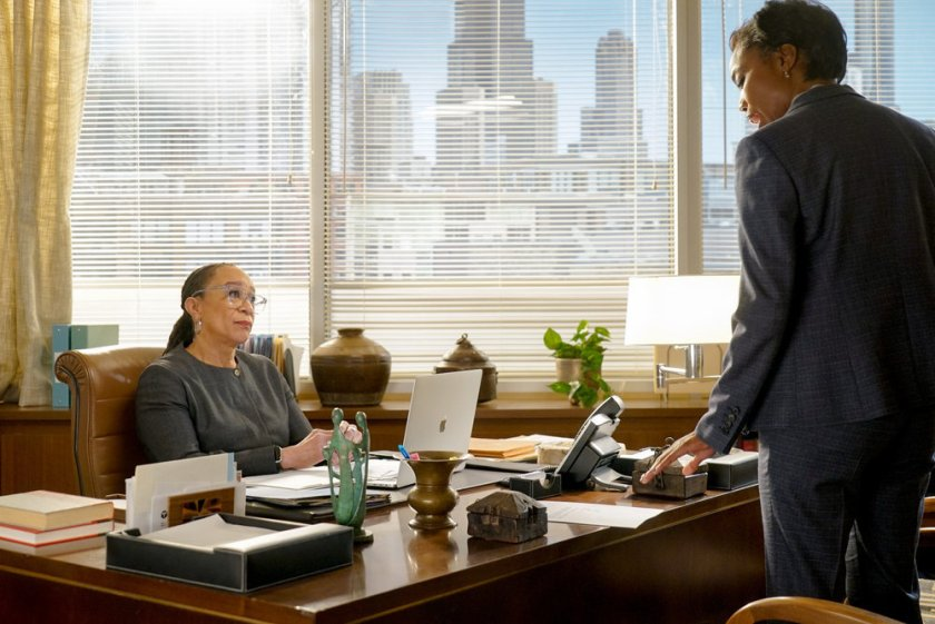 """CHICAGO MED -- """"Letting Go Olny To Come Together"""" Episode 611 -- Pictured: (l-r) S. Epatha Merkerson as Sharon Goodwin, Heather Headley as Gwen Garrett -- (Photo by: Elizabeth Sisson/NBC)"""