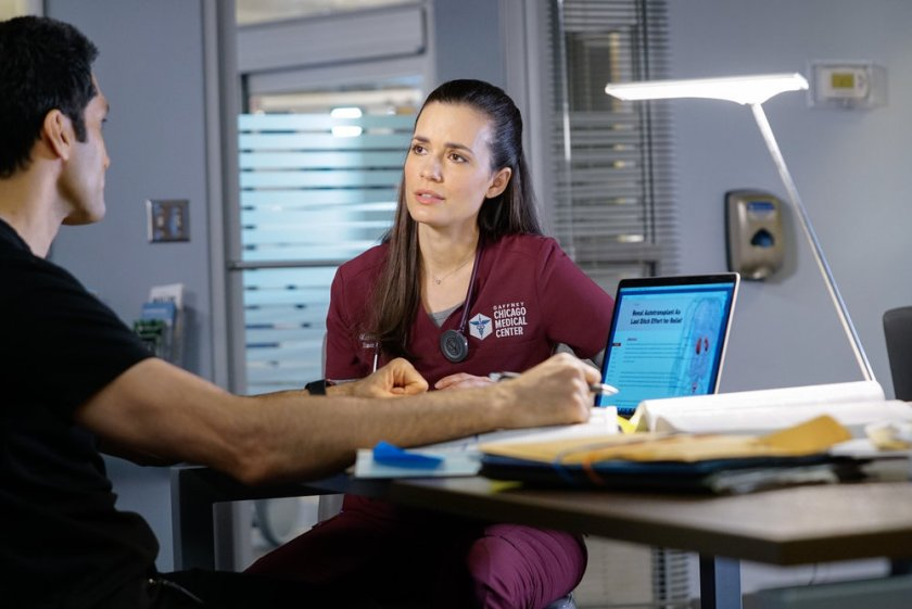 """CHICAGO MED -- """"Letting Go Olny To Come Together"""" Episode 611 -- Pictured: (l-r) Dominic Rains as Crockett Marcel, Torrey DeVitto as Natalie Manning -- (Photo by: Elizabeth Sisson/NBC)"""