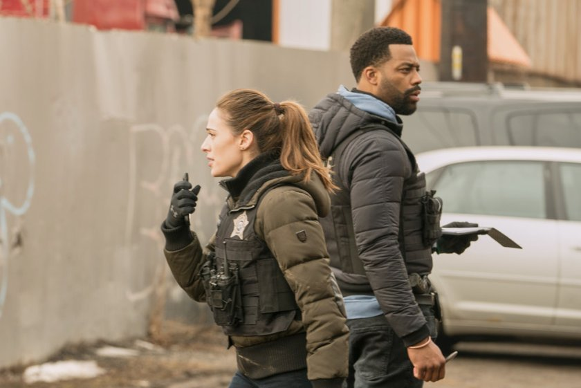 """CHICAGO P.D. -- """"Due Process"""" Episode 812 -- Pictured: (l-r) Marina Squerciati as Kim Burgess, LaRoyce Hawkins as Kevin Atwater -- (Photo by: Lori Allen/NBC)"""