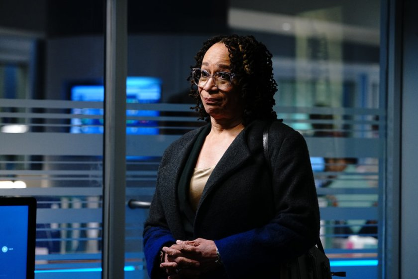 """CHICAGO MED -- """"Stories, Secrets, Half Truth and Lies"""" Episode 615 -- Pictured: S. Epatha Merkerson as Sharon Goodwin -- (Photo by: Elizabeth Sisson/NBC)"""