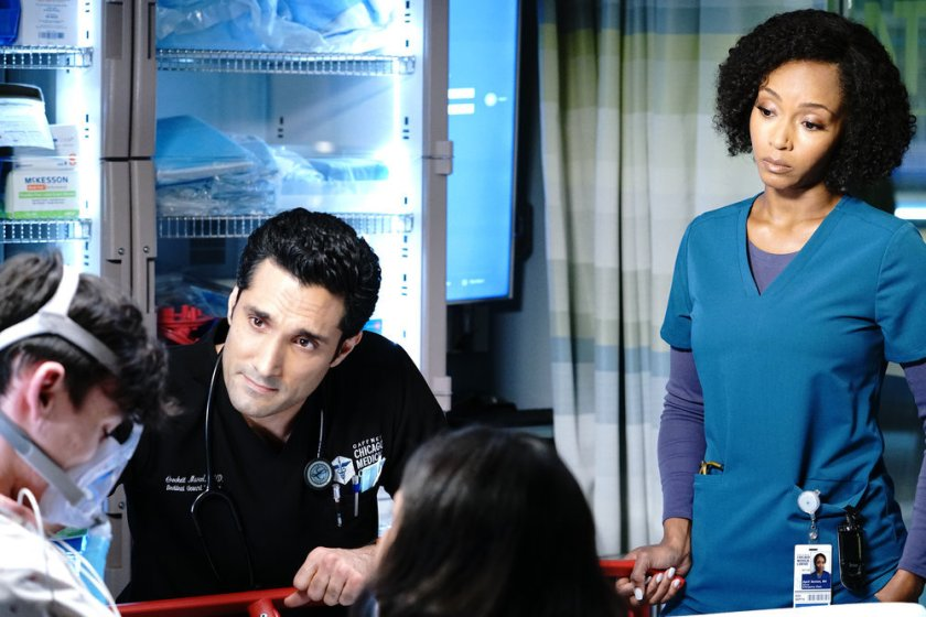 """CHICAGO MED -- """"Stories, Secrets, Half Truth and Lies"""" Episode 615 -- Pictured: (l-r) Dominic Rains as Crockett Marcel, Yaya DaCosta as April Sexton -- (Photo by: Elizabeth Sisson/NBC)"""