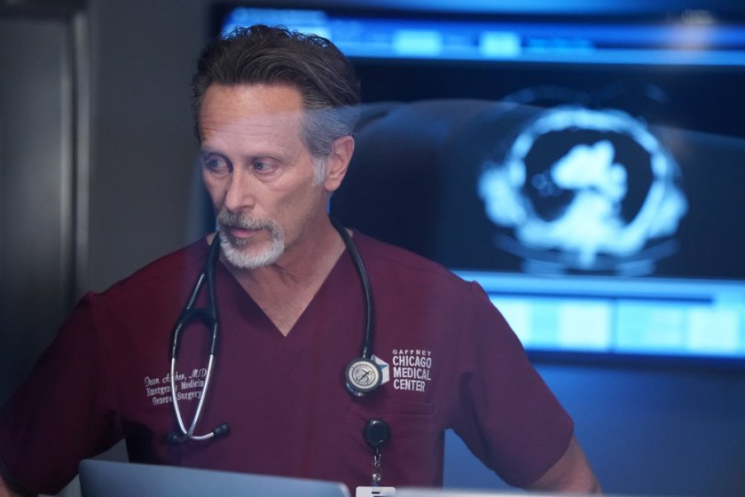 """CHICAGO MED -- """"I Will Come To Save You"""" Episode 616 -- Pictured: Steven Weber as Dr. Dean Archer -- (Photo by: Elizabeth Sisson/NBC)"""