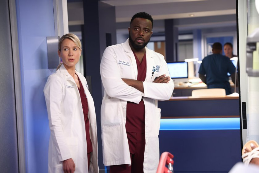 """CHICAGO MED -- """"You Can't Always Trust What You See"""" Episode 701 -- Pictured: (l-r) Kristin Hager as Dr. Stevie Hammer -- (Photo by: George Burns Jr/NBC)"""