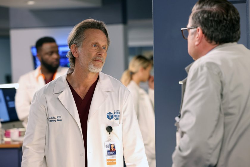 """CHICAGO MED -- """"You Can't Always Trust What You See"""" Episode 701 -- Pictured: Steven Weber as Dr. Dean Archer -- (Photo by: George Burns Jr/NBC)"""