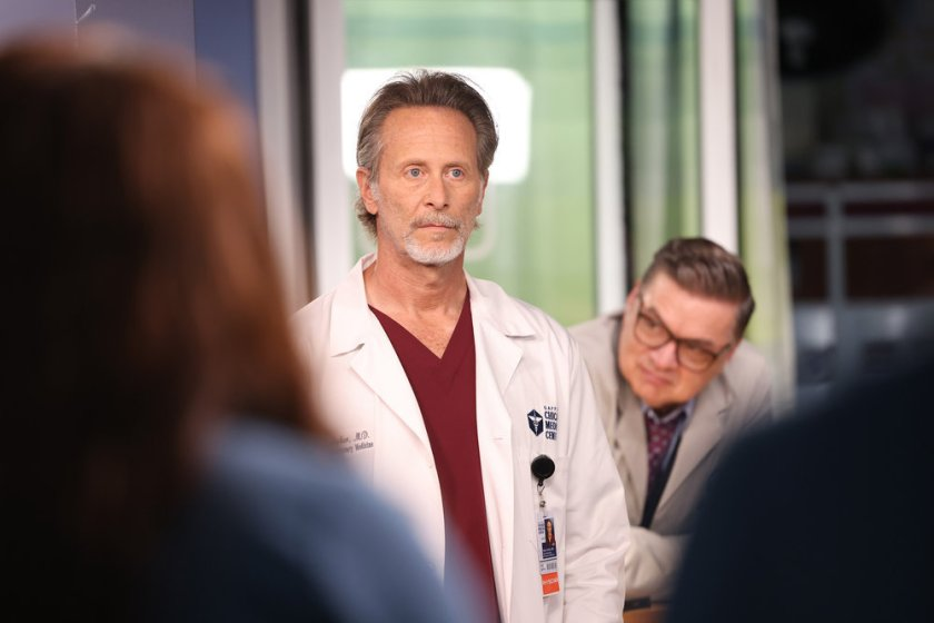 """CHICAGO MED -- """"You Can't Always Trust What You See"""" Episode 701 -- Pictured: (l-r) Steven Weber as Dr. Dean Archer, Oliver Platt as Daniel Charles -- (Photo by: George Burns Jr/NBC)"""