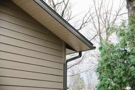 Winnipeg soffit, fascia, and eavestrough