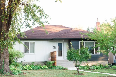Winnipeg home with new Hardie siding