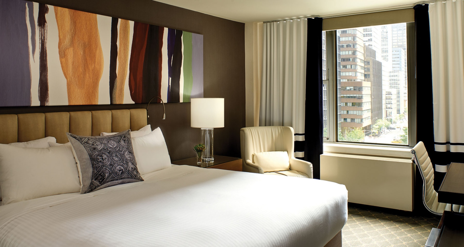 guest-room-king-bed