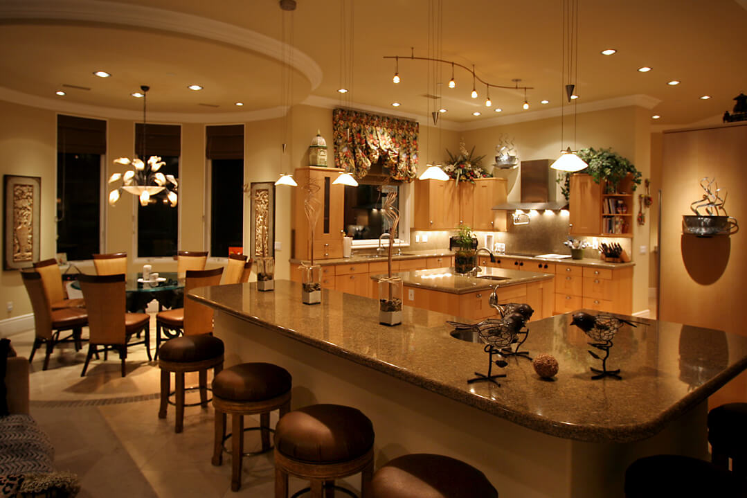 In addition to giving you advice we can help you plan your complete indoor lighting system and conduct the installation
