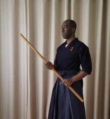 This is a yonshaku bō (4-shaku staff). While its length and balance is good, much adjustments would be needed to imitate the techniques used with the rokushaku bō.