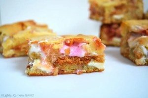 White Chocolate S'mores Bars are a gooey white chocolate slice with a layer of white chocolate buttons, marshmallows and digestives (graham crackers) running throughout the middle. Click the photo for the recipe!
