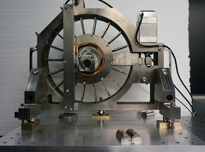 Angular measurement goes nano