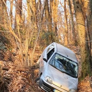 Bloccato nel bosco con l'auto Anziano salvato a Bizzarone - Cronaca, Bizzarone