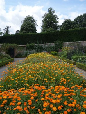 9-Walled garden