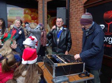 1c-Deputy Mayor Cllr John Winterton opens the Fayre