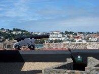 9-The noonday gun