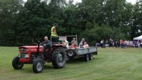 7-Tim Price gives tractor rides