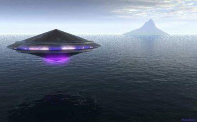 purplelightship-552x344