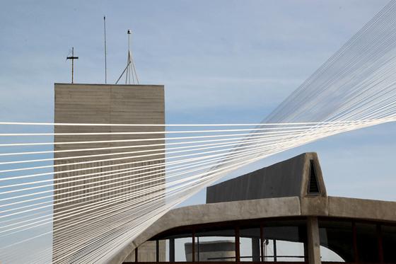 Les Rayons (Le Corbusier), 2013 - Artiste Xavier Veilhan - Architectones, Unité d'habitation, Cité Radieuse, MAMO, Marseille, France - Photo Vincent Laganier