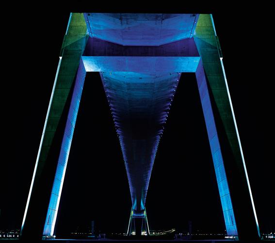 « Entre 2 » – Yann Kersalé, AIK – Pont de Normandie, Honfleur-Le Havre, France (1994)