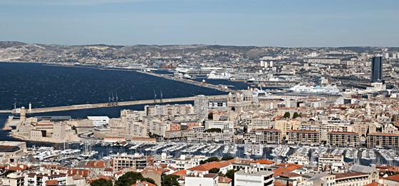 Vue de Notre-Dame-de-La-Garde, Vieux Port, Marseille, France - Photo : Vincent Laganier