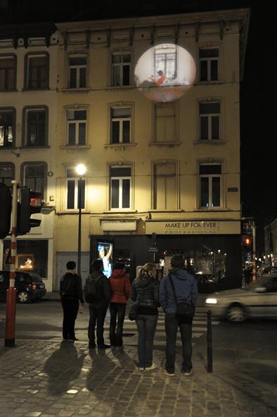 Sur une façade, A travers les murs, quartier Saint-Jacques, Bruxelles, Belgique © Radiance 35, Zimmerfrei