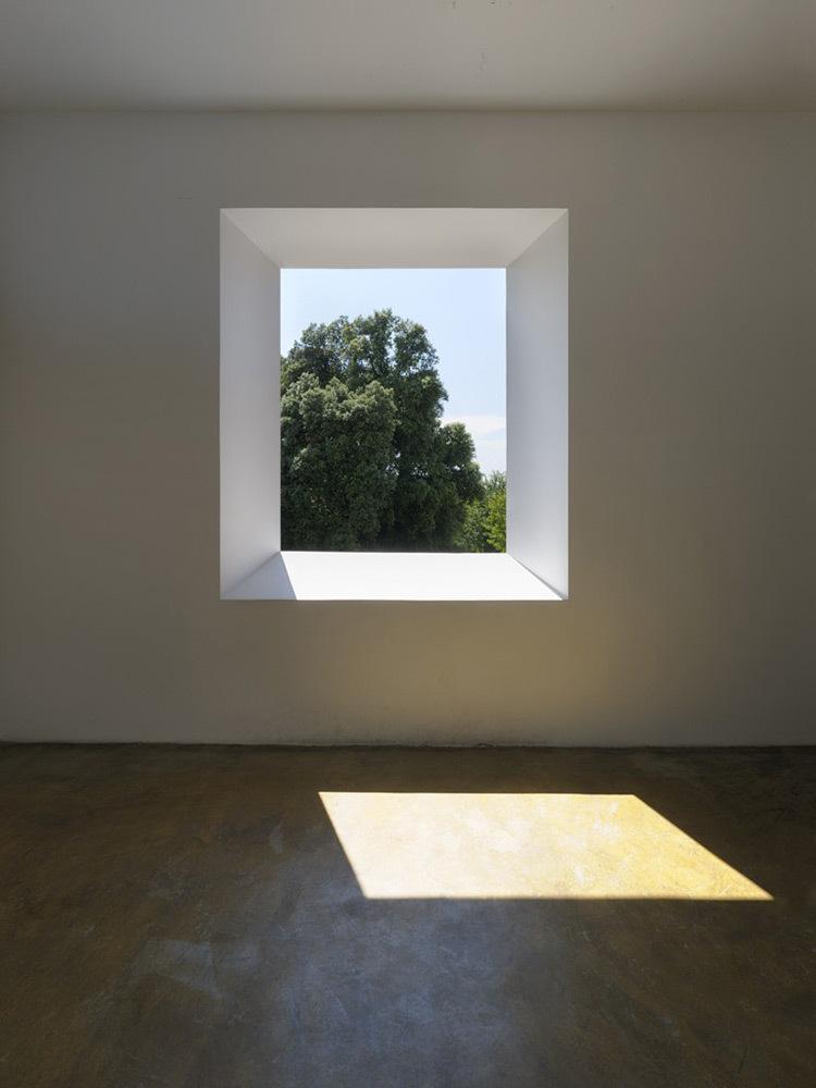 Robert-Irwin-Varese-Portal-Room-1973-Photo-A-Zambianchi-Simply-it-Milano
