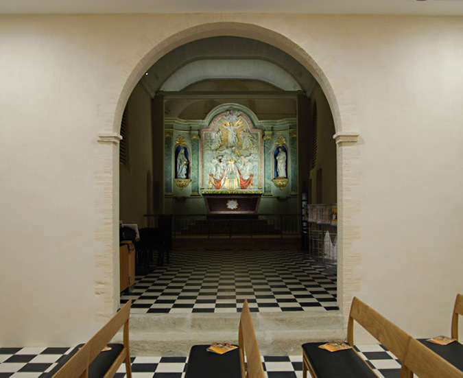 Revelations-Retable-Lux-01-eglise Saint-Sauveur, Rocheserviere, France © Atelier Emergence, Montevideo, Elacom