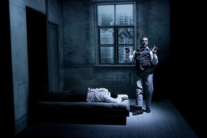 Marc Labrèche et Wellesley Robertson III - Les aiguilles et l'opium - Robert Lepage, 2013 © Nicola Frank Vachon
