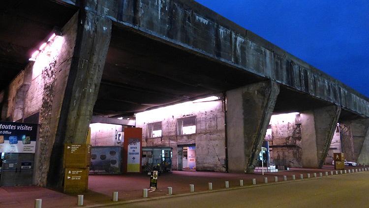 Mise-en-lumiere-Virginie-Voue,-Luminescence--Base-sous-marine,-St-Nazaire--Photo-Vincent-Laganier (1)