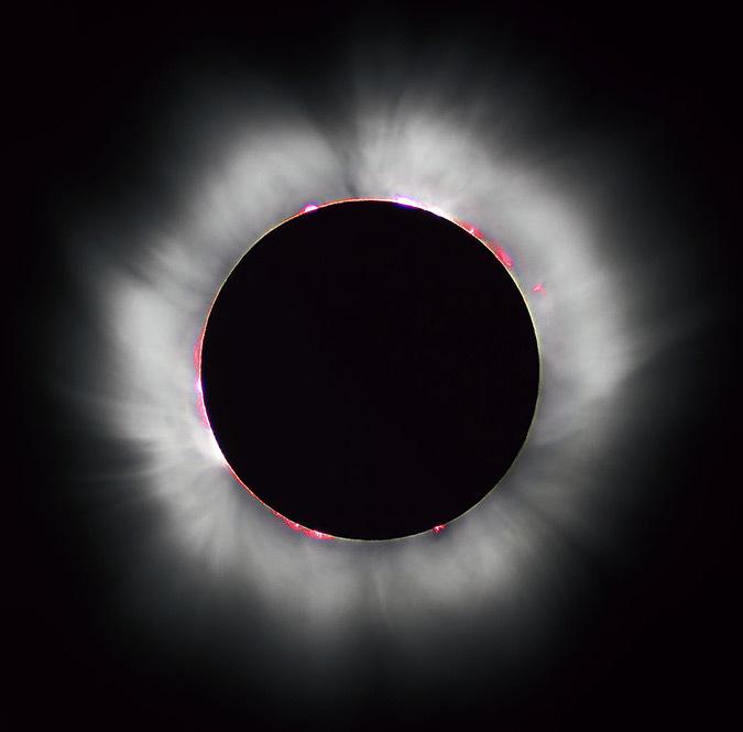 Eclipse totale de soleil en 1999 faite en France - Réduction du bruit réalisée par Diliff -Photo : Luc Viatour - www.Lucnix.be