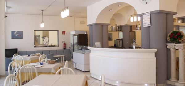 colazione-abbondante-hotel-lignano