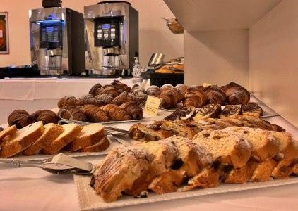 23-hotel-lignano-colazione-abbondante-economico