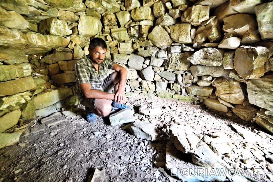 Corrado Agnese in una casella del monte Ceresa