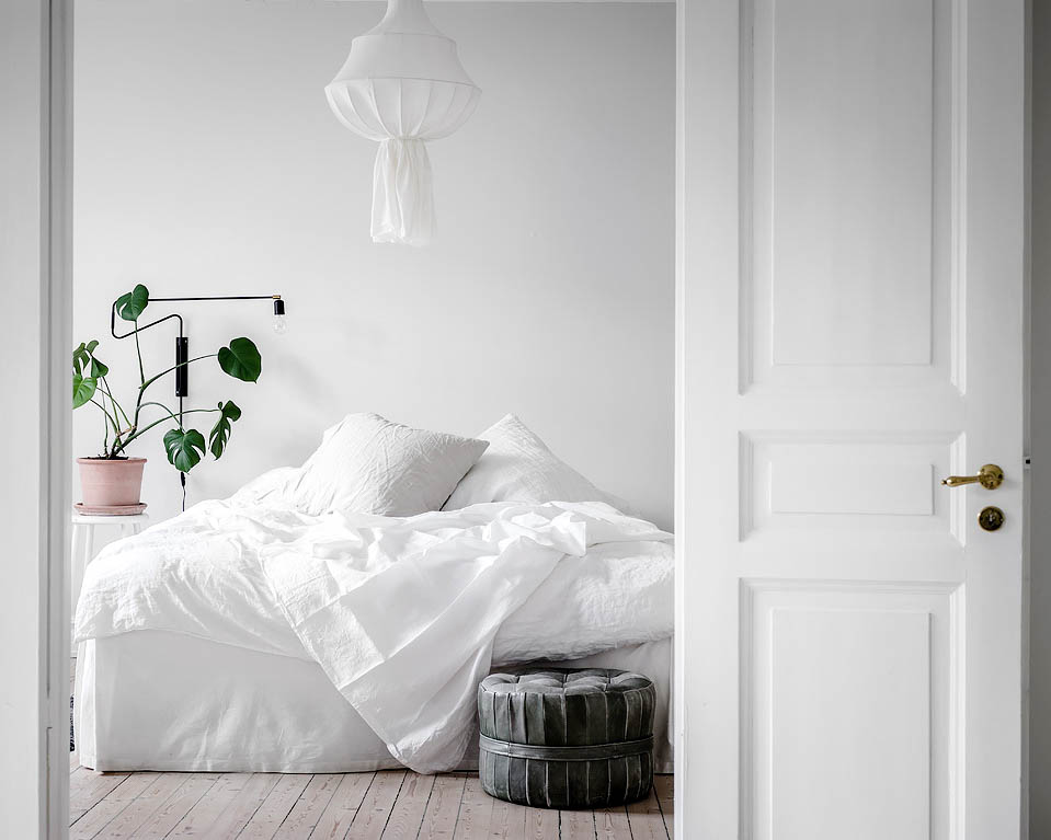 Scandinavian-Home-Tour-White-Bedroom-Styling-Decor