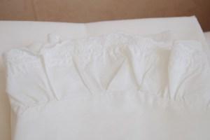 babywas strijken sloopje wit kant