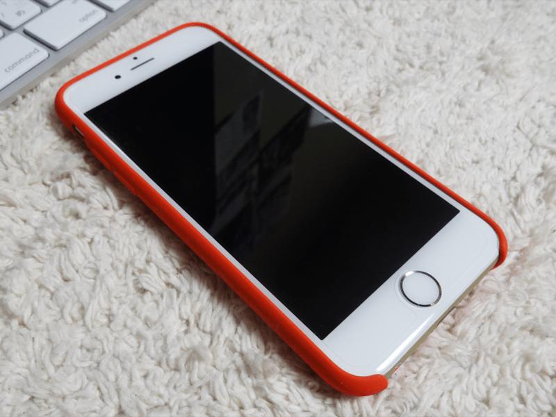 iphone6シリコン赤前斜め