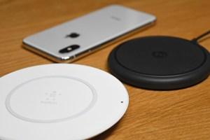 Apple認定のiPhone X・8用ワイヤレス充電器「Belkin」と「mophie」を有線と比較してみた!