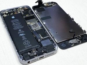 iPhone SE(初代)のフロントパネルを外す方法