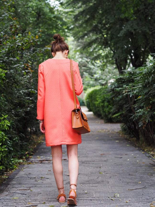 fente-robe-burda-fevrier-2015-dos