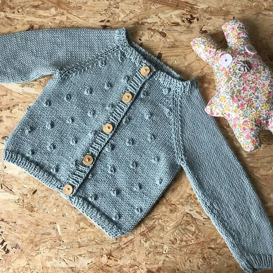 gilet-noppes-tricot
