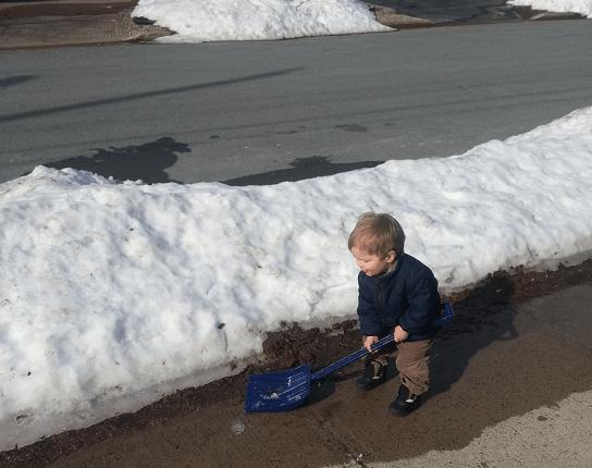 charlie-shoveling