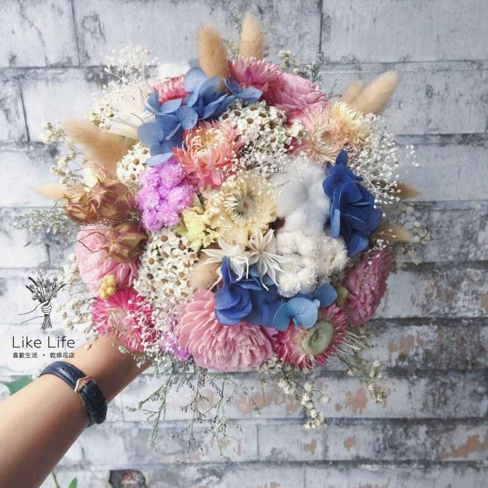歐式圓型乾燥捧花-不凋藍粉配色