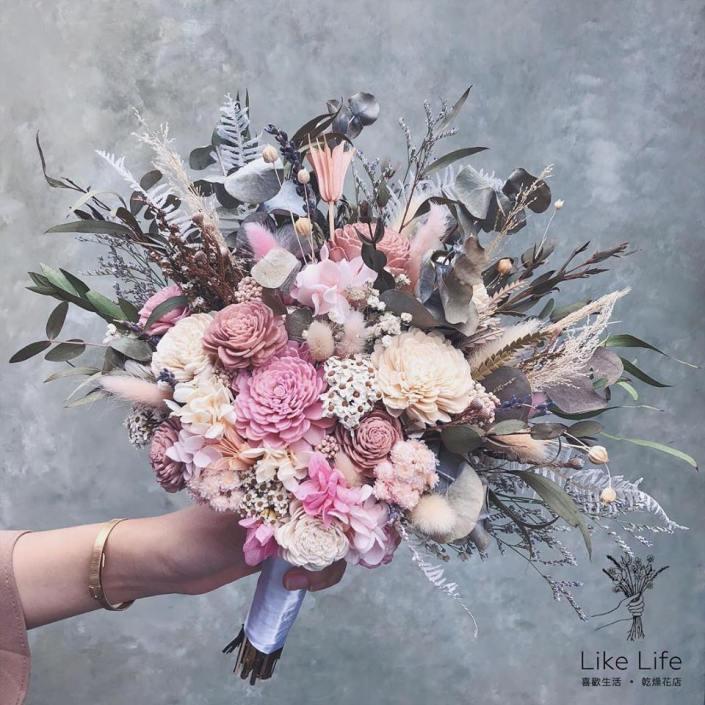 韓式扇型手綁捧花-自然粉