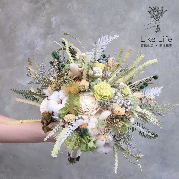 不規則手綁乾燥捧花-自然白綠