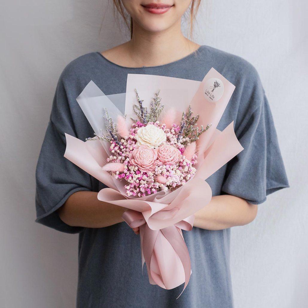 粉色玫瑰乾燥花束,玫瑰乾燥花束粉色手拿,台北喜歡生活乾燥花店